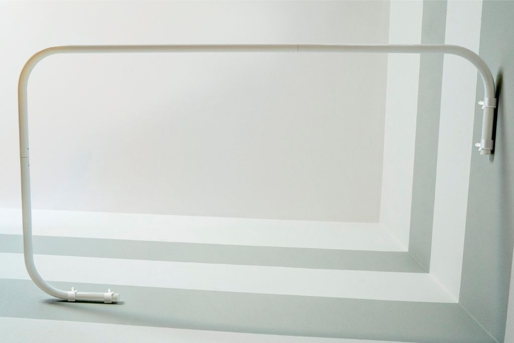 drążek na zasłonę prysznicową biały