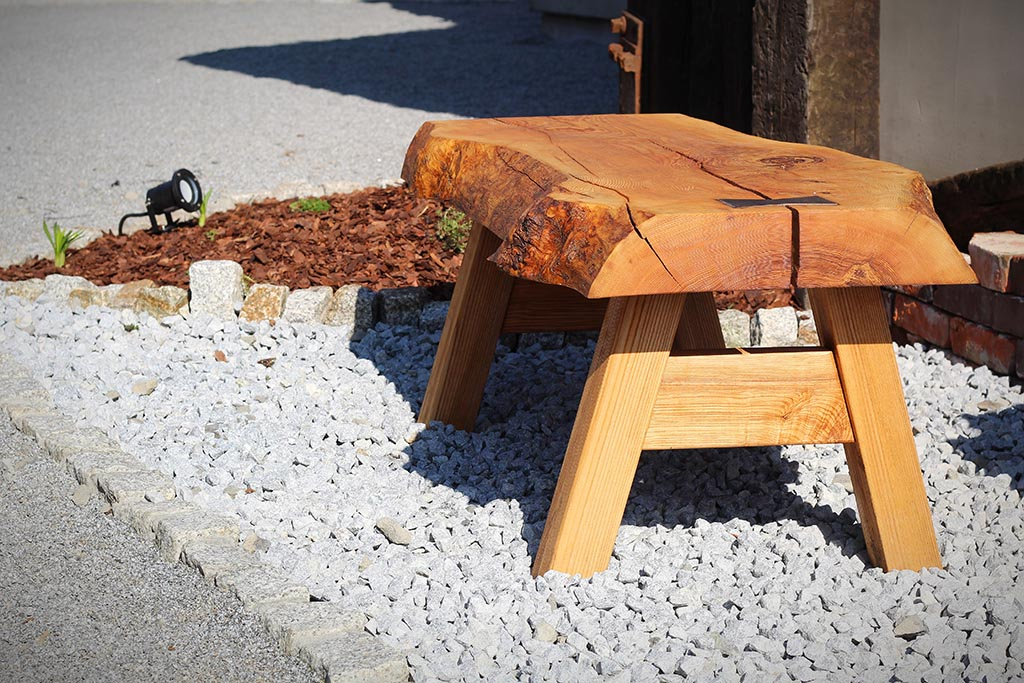 drewniany stołeczek