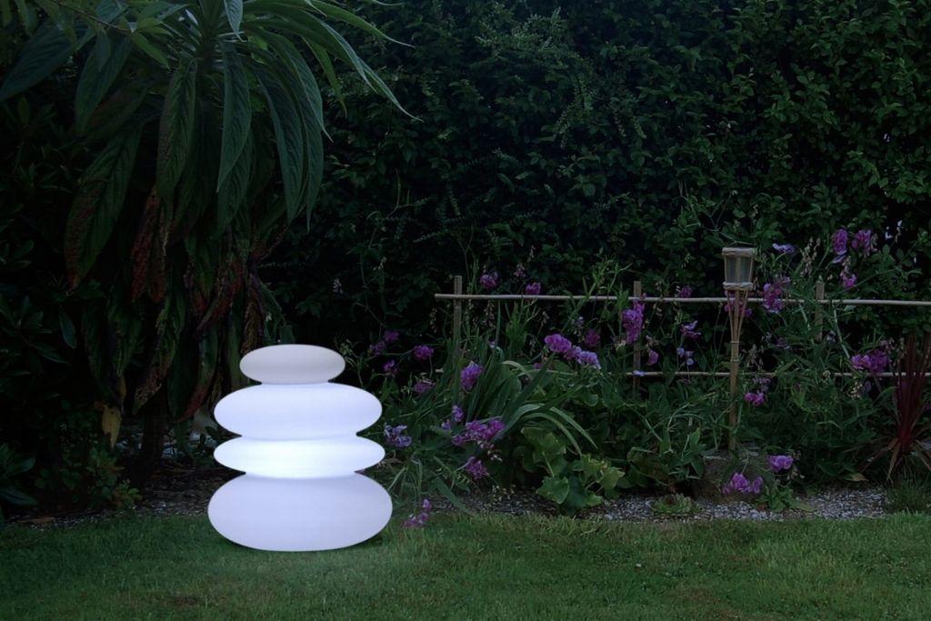 lampa ogrodowa w kształcie kamieni