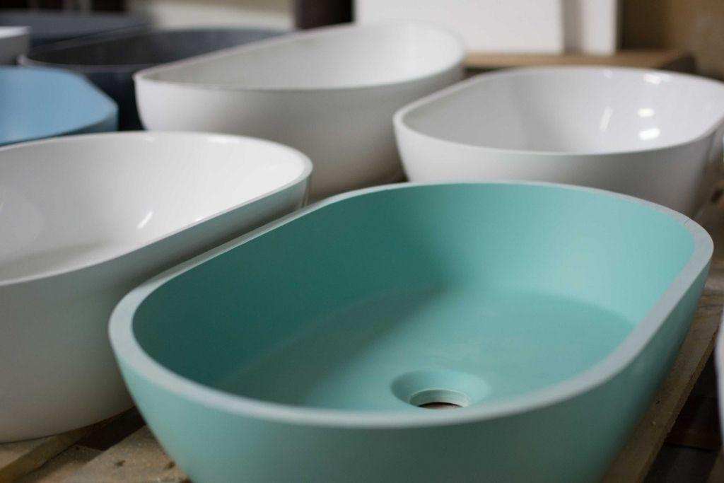 pastelowa seledynowa umywalka nablatowa