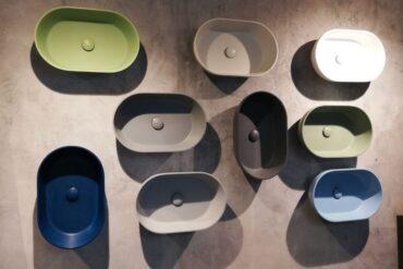 różnokolorowe umywalki nablatowe